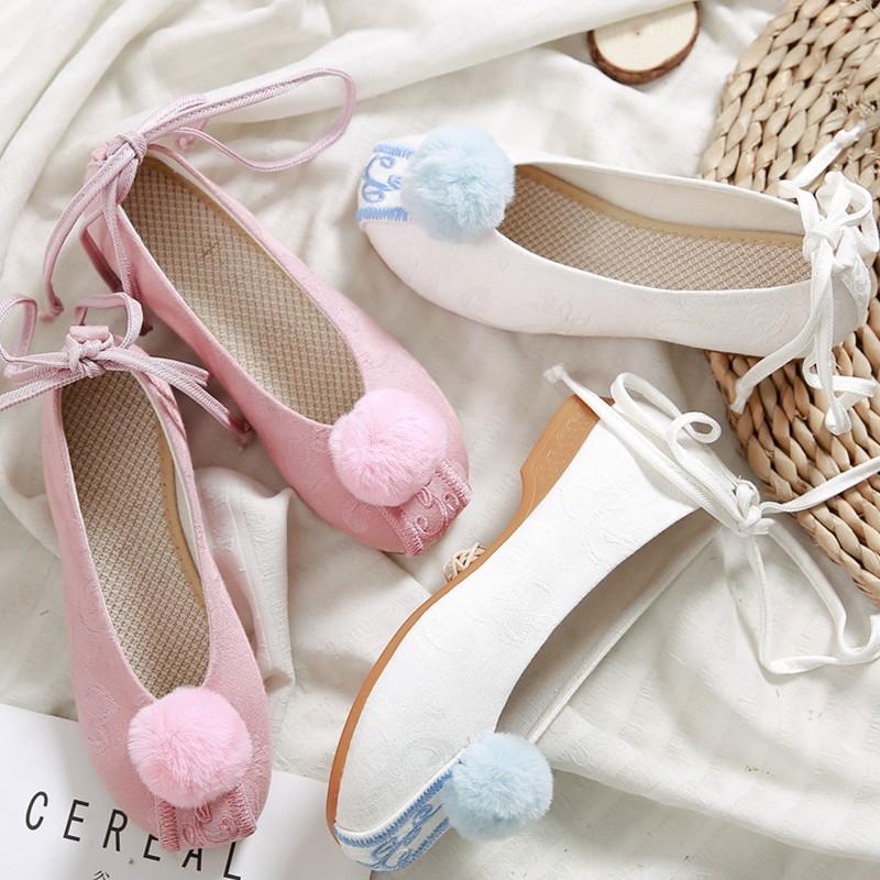 粉红色单鞋 女孩粉红色绣球表演舞鞋 立体提花绣花单鞋 绑带女布鞋舞蹈鞋子女_推荐淘宝好看的粉红色单鞋