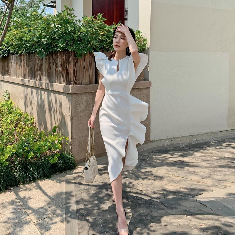 白色连衣裙 小个子白色法式礼服小众设计立体荷叶边不规则下摆修身包臀连衣裙_推荐淘宝好看的白色连衣裙
