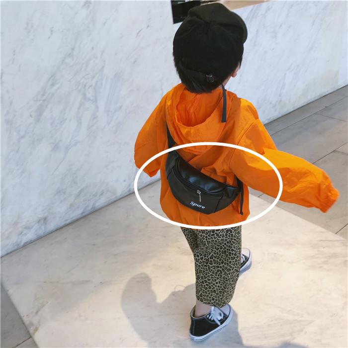 小学生斜挎包 儿童斜挎包男童胸包帅气韩版女孩子背包潮时尚小学生女童包包字母_推荐淘宝好看的女小学生斜挎包