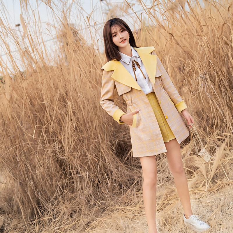 黄色风衣 ATAR英伦风高端流行连帽格子风衣女中长款气质显瘦黄色小众外套_推荐淘宝好看的黄色风衣