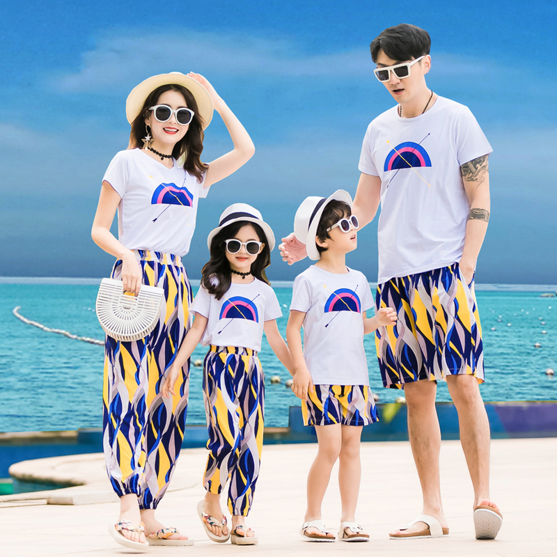 T恤亲子套装 亲子装夏季沙滩裤一家四口家庭装母女套装海边度假沙滩装情侣T恤_推荐淘宝好看的T恤亲子套装