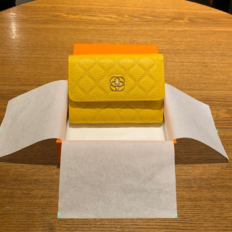黄色钱包 2021新款钱包女短款真皮黄色皮夾招财小香风菱格珍珠钻折叠小钱夹_推荐淘宝好看的黄色钱包
