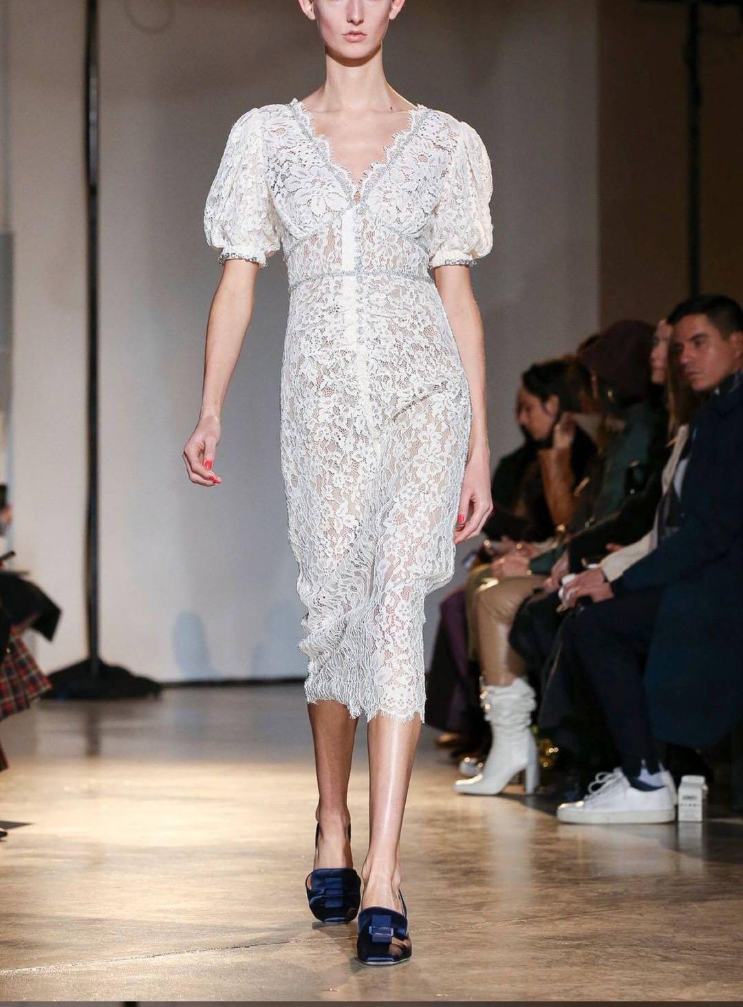 蕾丝连衣裙 2020春夏新款法式简约优雅气质性感女人味修身显瘦V领蕾丝连衣裙_推荐淘宝好看的蕾丝连衣裙
