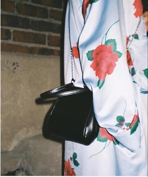 韩版时尚手提包 休闲女包韩版复古夹子包2020新款包潮流手提包单肩女包斜挎小包包_推荐淘宝好看的女韩版手提包