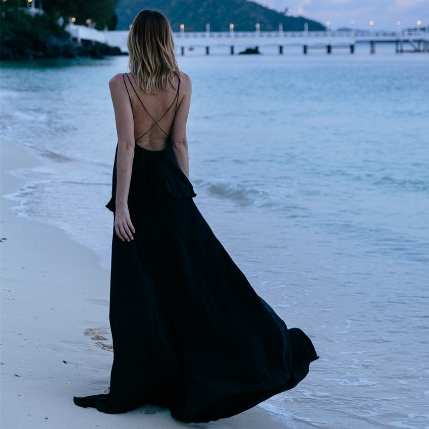 白色吊带连衣裙 欧美海边度假沙滩裙性感吊带露背连衣裙波西米亚雪纺大摆长裙超仙_推荐淘宝好看的白色吊带连衣裙