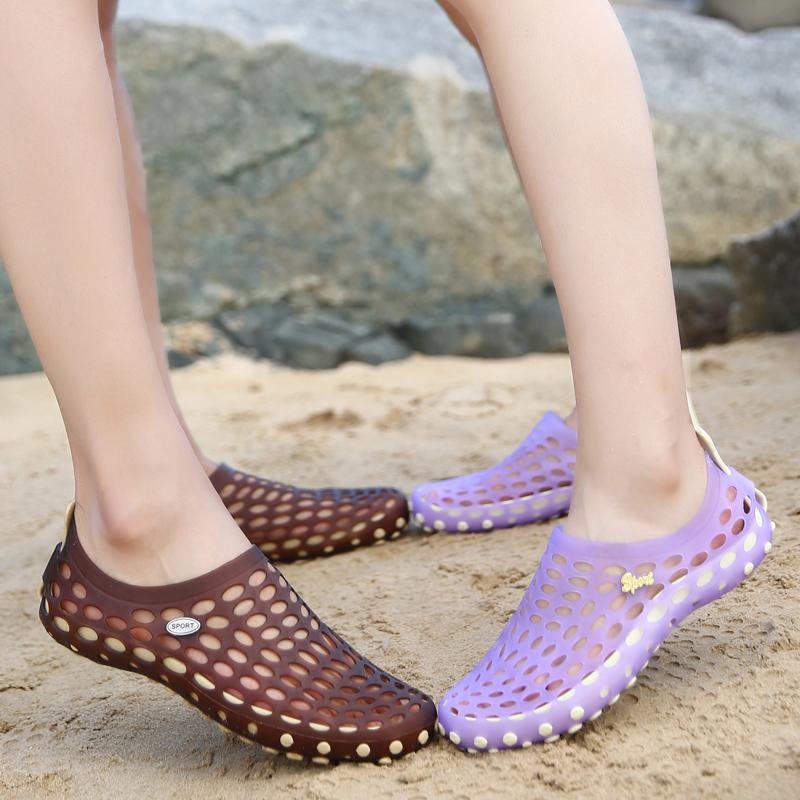 洞洞鞋 儿童夏季海边度假沙滩鞋女洞洞鞋女防滑玛丽珍情侣鸟巢拖鞋凉拖鞋_推荐淘宝好看的女洞洞鞋