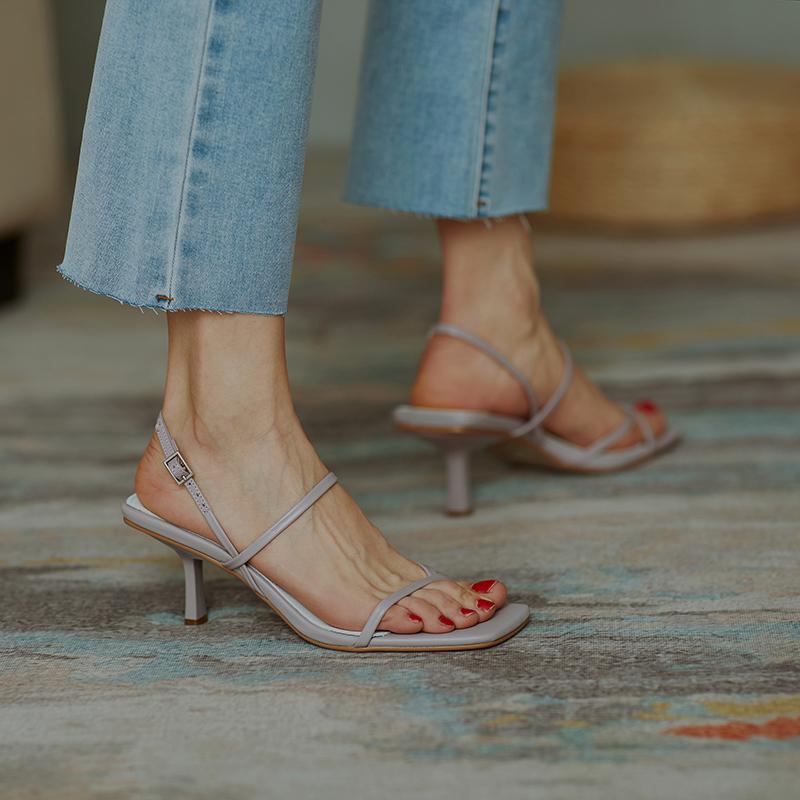 紫色凉鞋 全皮紫色百搭性感简约一字扣带夏真皮夹趾露趾细跟高跟罗马凉鞋女_推荐淘宝好看的紫色凉鞋