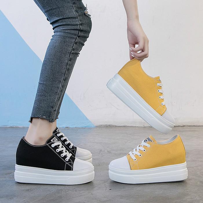 黄色松糕鞋 春夏系带板鞋黑色黄色女鞋单鞋青年学生松糕厚底内增高8cm帆布鞋_推荐淘宝好看的黄色松糕鞋