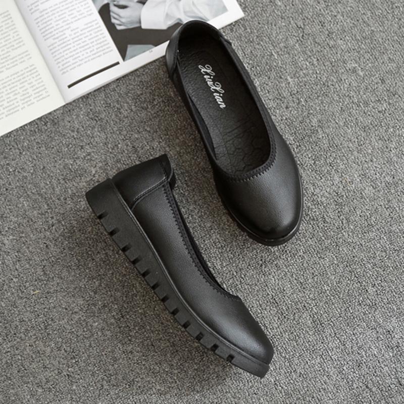 黑色平底鞋 黑色平底加厚鞋底松糕底圆头松紧带上班工作鞋女式妈妈女鞋光面_推荐淘宝好看的黑色平底鞋