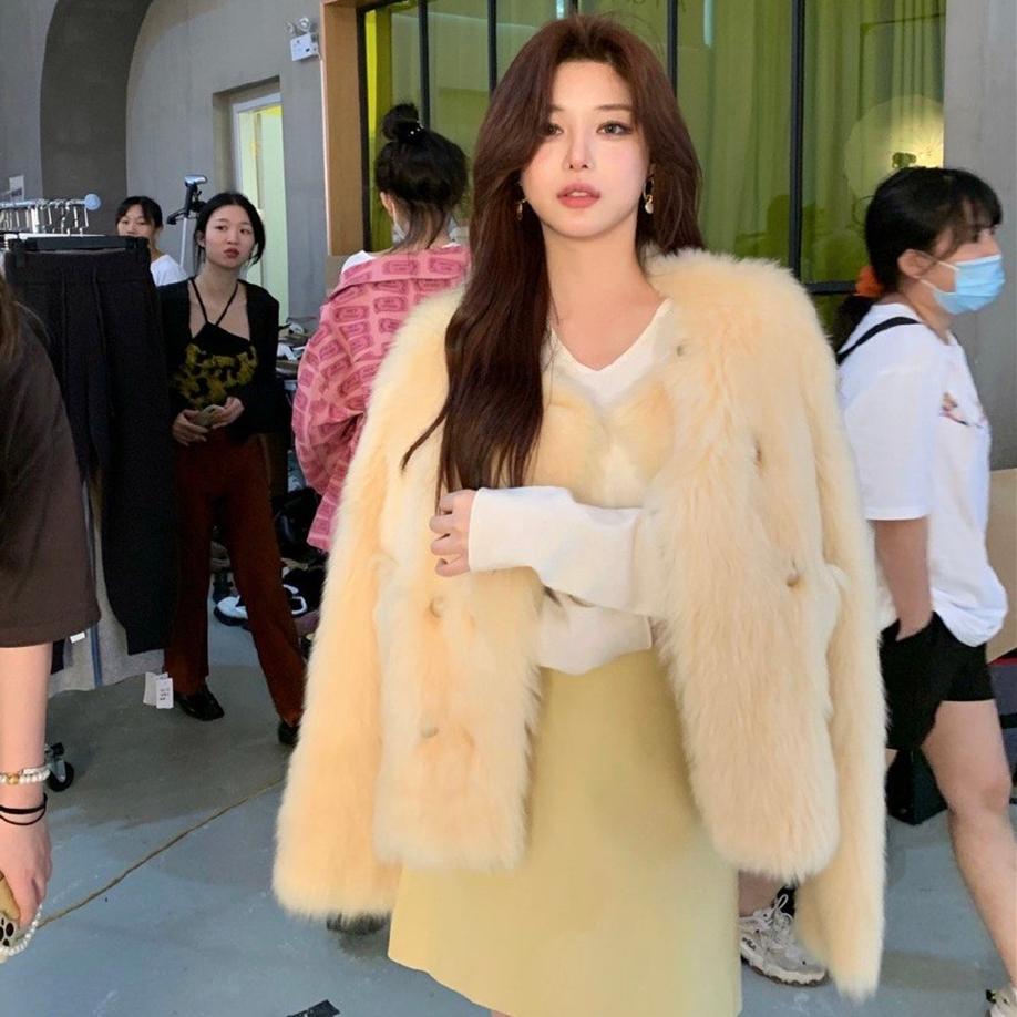 黄色皮草 雪梨同款 冬季新款韩版气质皮草外套女宽松短款嫩黄色大衣_推荐淘宝好看的黄色皮草