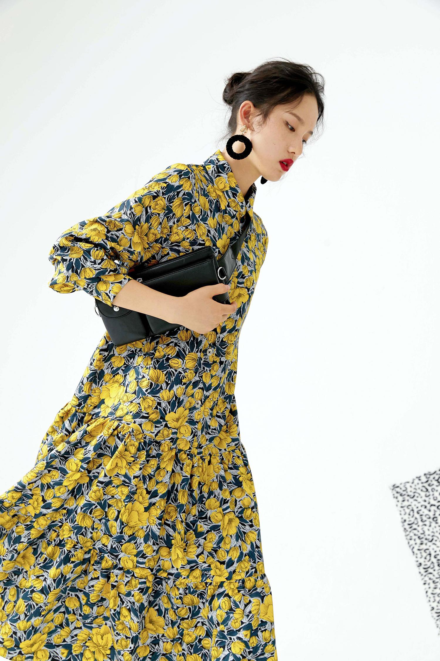 黄色连衣裙 EELMOOR原创独立设计19秋都市北欧印花长款黄色长袖连衣裙女_推荐淘宝好看的黄色连衣裙