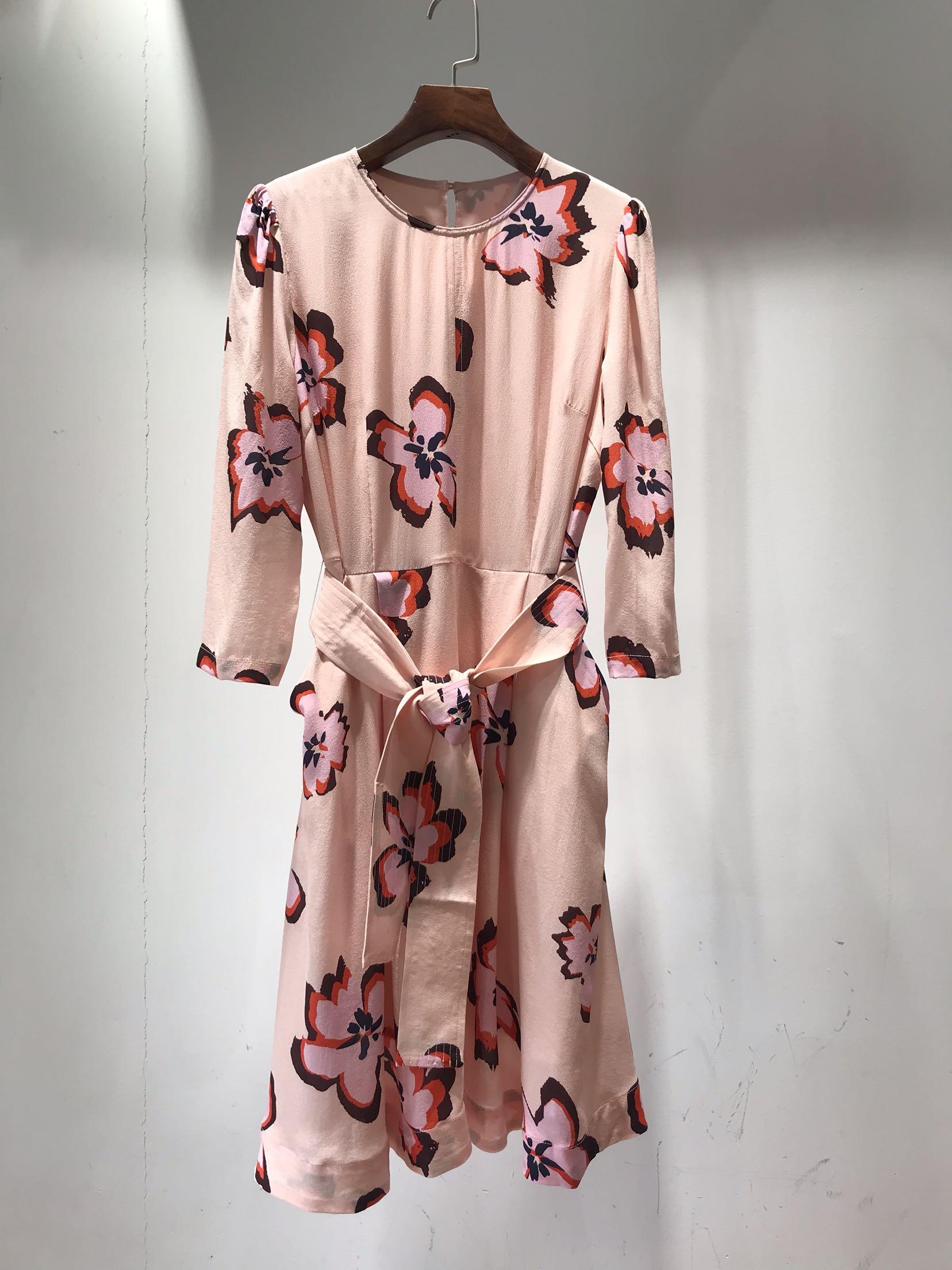 八分袖连衣裙 20早春新品时尚女装深兰色粉色花卉印花配腰带八分袖真丝连衣裙_推荐淘宝好看的八分袖连衣裙