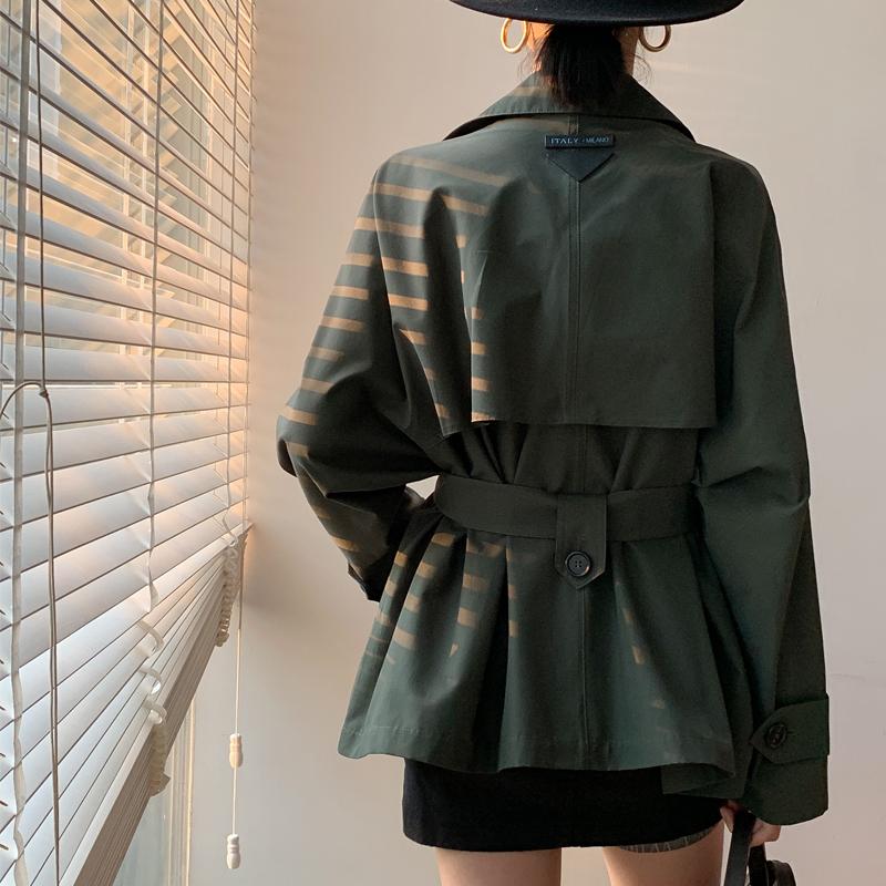 绿色风衣 清仓特价绿色短风衣女韩版意大利系带收腰双排扣蝙蝠袖小个子外套_推荐淘宝好看的绿色风衣