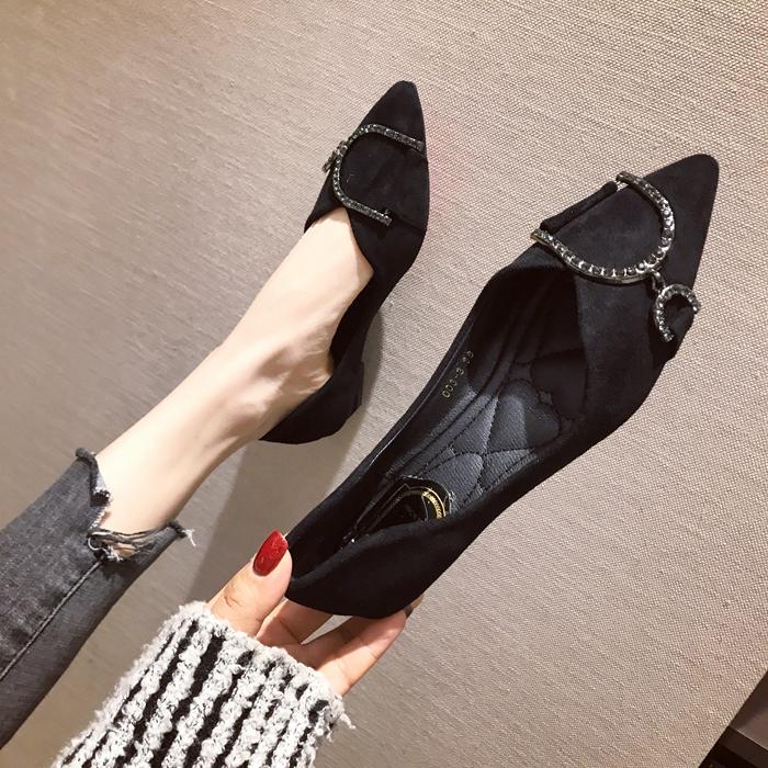 欧美款尖头鞋 欧美风2021春秋季大码时尚新款女鞋子水钻绒面浅口尖头低跟单鞋_推荐淘宝好看的欧美尖头鞋