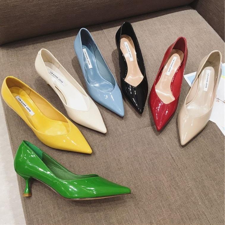 黄色尖头鞋 职业OL小跟漆皮尖头女单鞋小跟中跟百搭高跟鞋四季百搭黄色绿色米_推荐淘宝好看的黄色尖头鞋