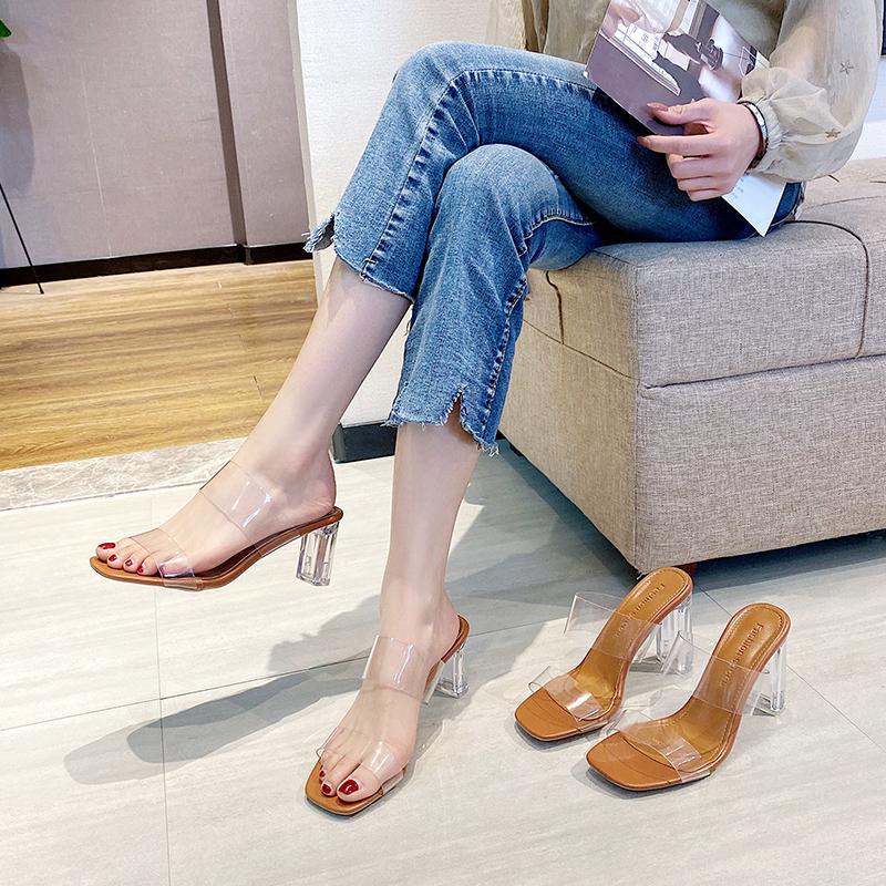 时尚高跟鞋 2021新款一字带透明凉鞋女粗跟时尚百搭高跟鞋水晶跟外穿凉拖鞋夏_推荐淘宝好看的女时尚高跟鞋