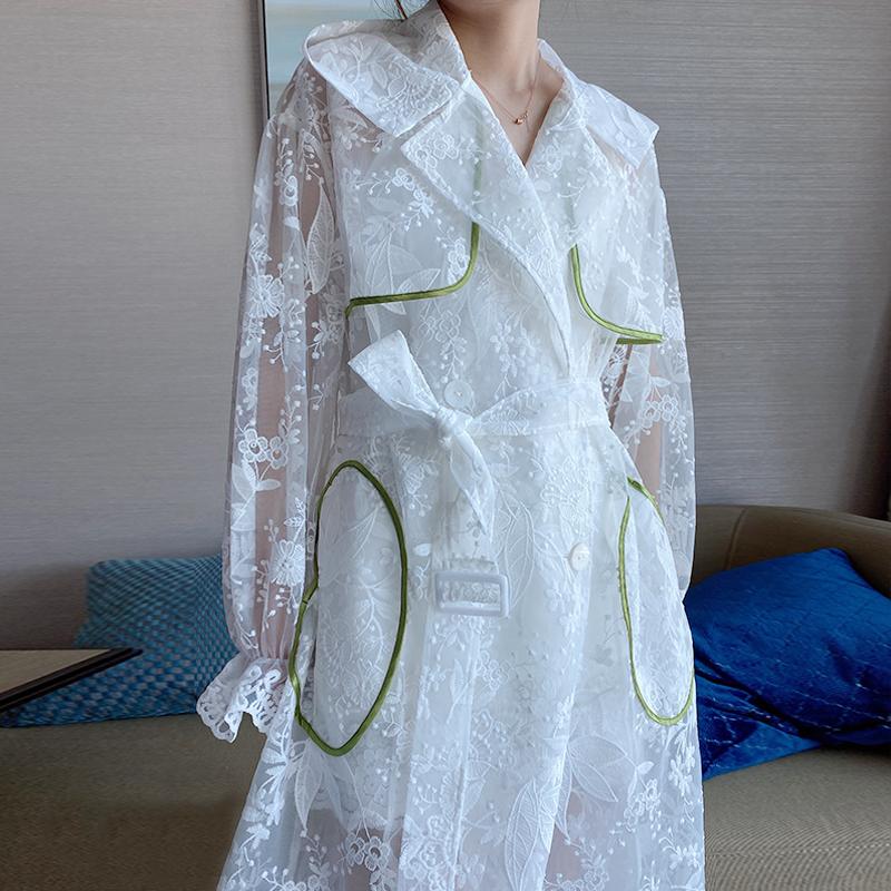 白色风衣 蕾丝防晒服风衣夏季白色连帽刺绣仙女灯笼袖过膝外套中长款外套女_推荐淘宝好看的白色风衣