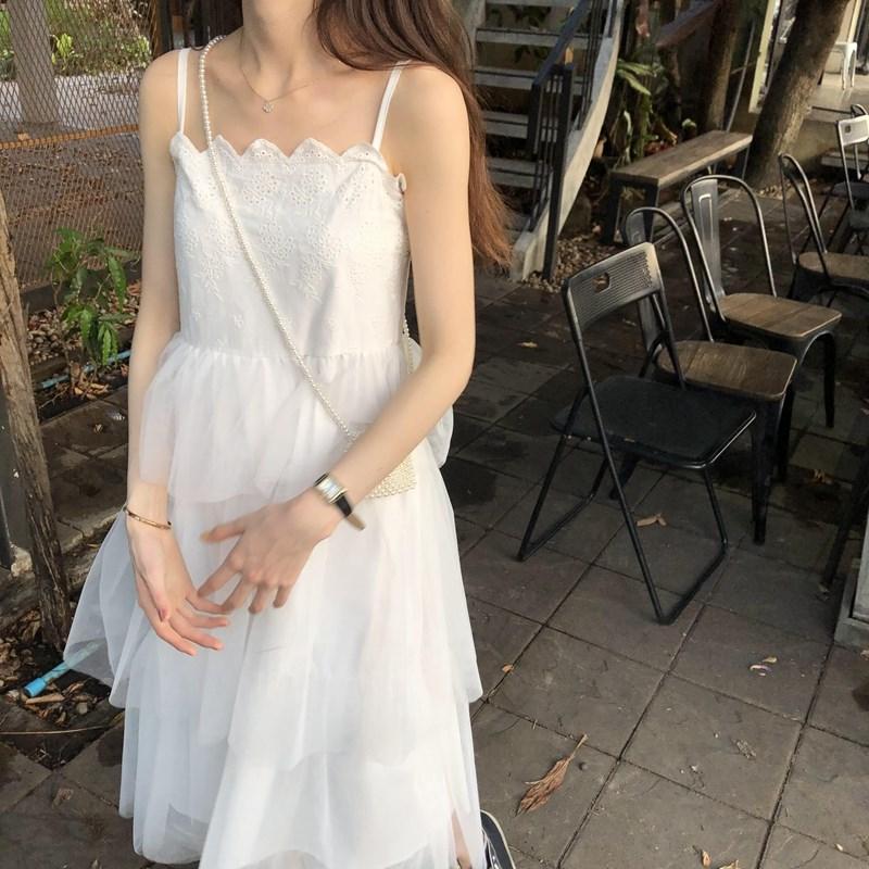 白色吊带连衣裙 乌77 炒仙的白色吊带裙 韩版修身显瘦拼接纱裙中长款连衣裙女夏_推荐淘宝好看的白色吊带连衣裙