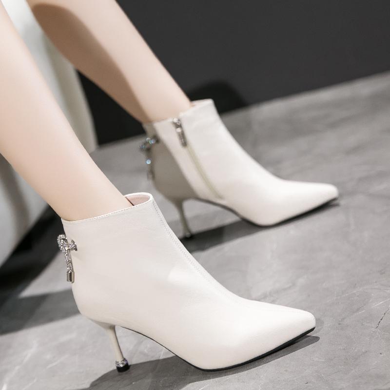 白色靴子 秋冬季高跟短靴女细跟白色靴子网红瘦瘦靴加绒尖头马丁靴女及踝靴_推荐淘宝好看的白色靴子