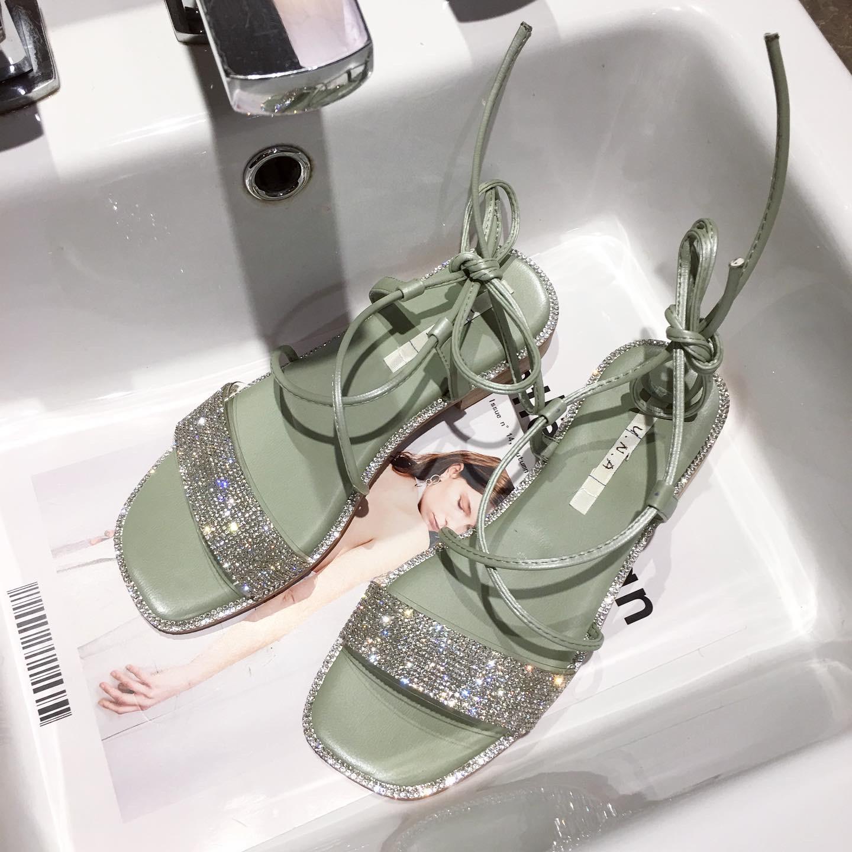 少女平底罗马鞋 女罗马夏天凉鞋平底风少女带外出绑带钻时尚配新款2020年裙子度假_推荐淘宝好看的女少女平底罗马鞋