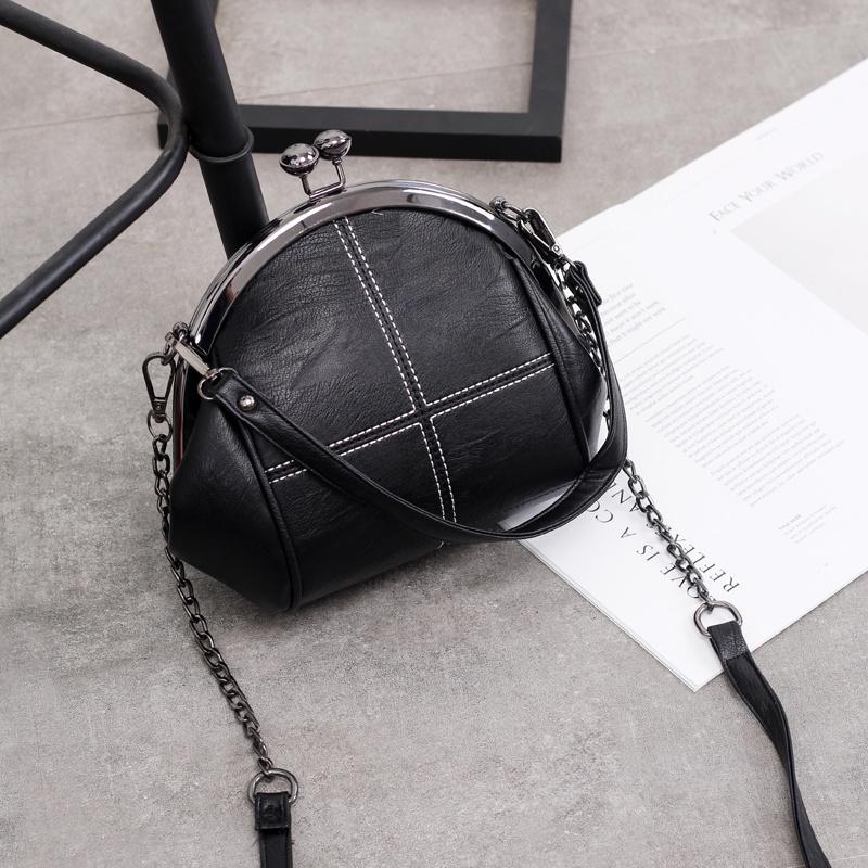 黑色贝壳包 。铆钉链条包包女2021新款时尚百搭女包黑色单肩斜挎包贝壳包小包_推荐淘宝好看的黑色贝壳包