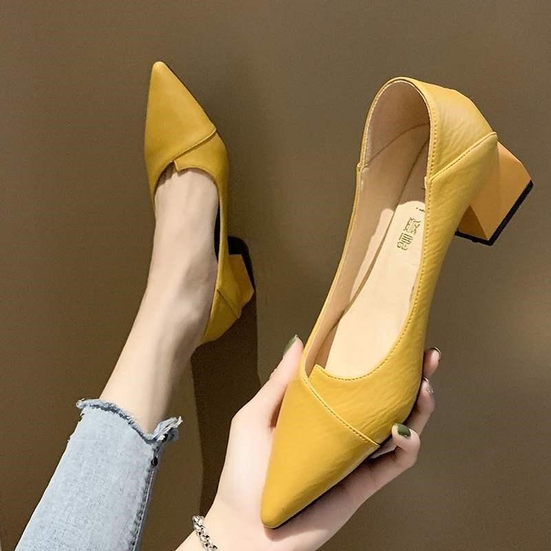 黄色豆豆鞋 粗跟尖头单鞋女2021年新款春款夏鞋子中跟黄色工作豆豆高跟鞋春秋_推荐淘宝好看的黄色豆豆鞋