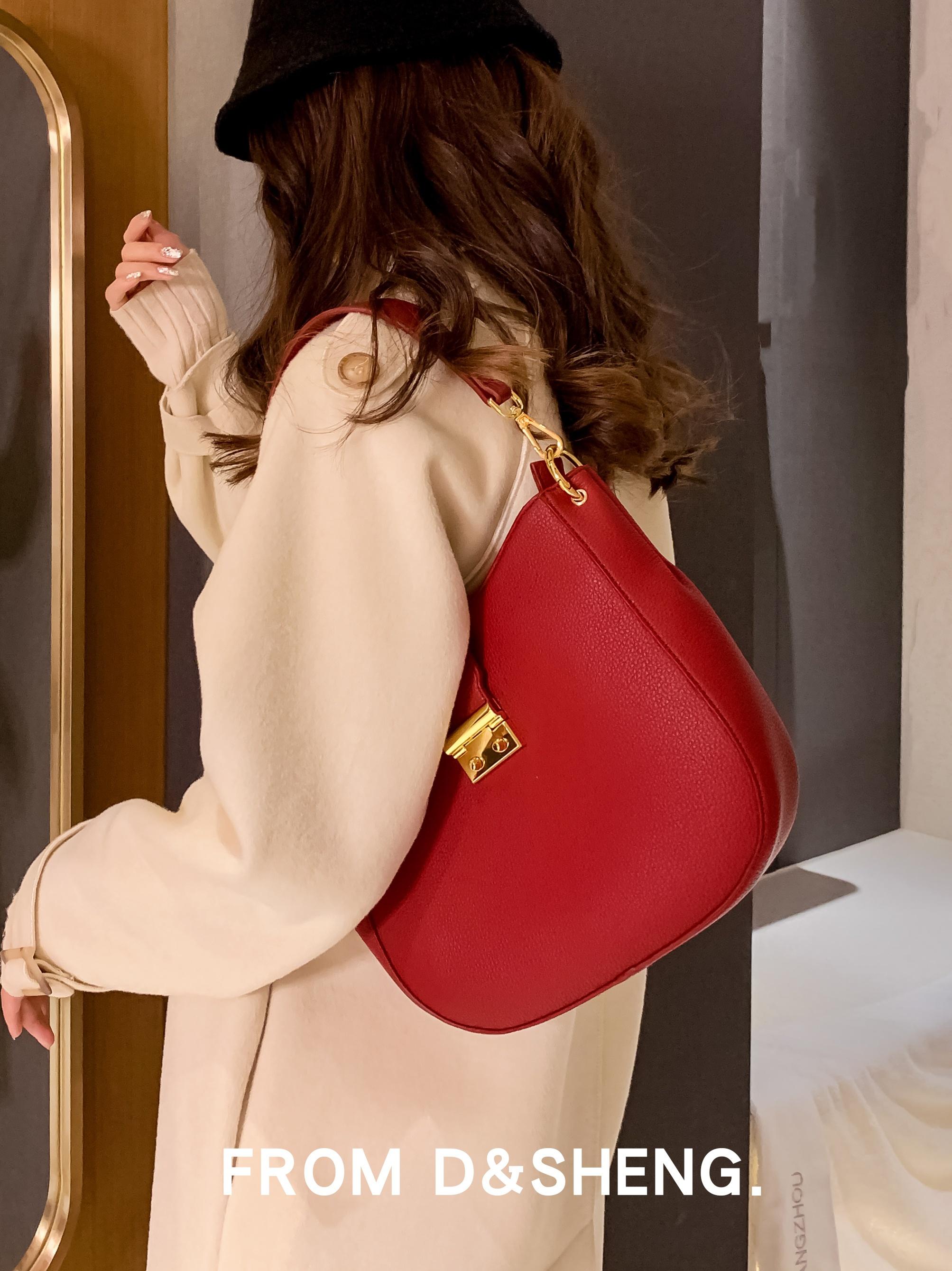 红色水桶包 东胜红色大容量水桶包包女2021新款时尚百搭斜挎单肩手提腋下包。_推荐淘宝好看的红色水桶包