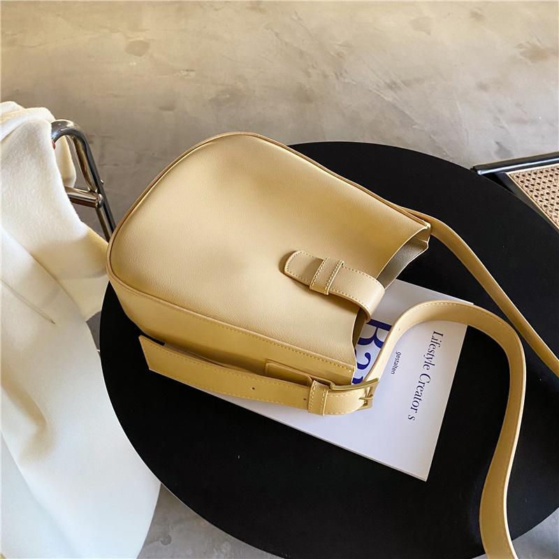 黄色水桶包 希儿小铺 韩版水桶包ins风包包2021春夏新款黄色软皮包单肩斜挎包_推荐淘宝好看的黄色水桶包