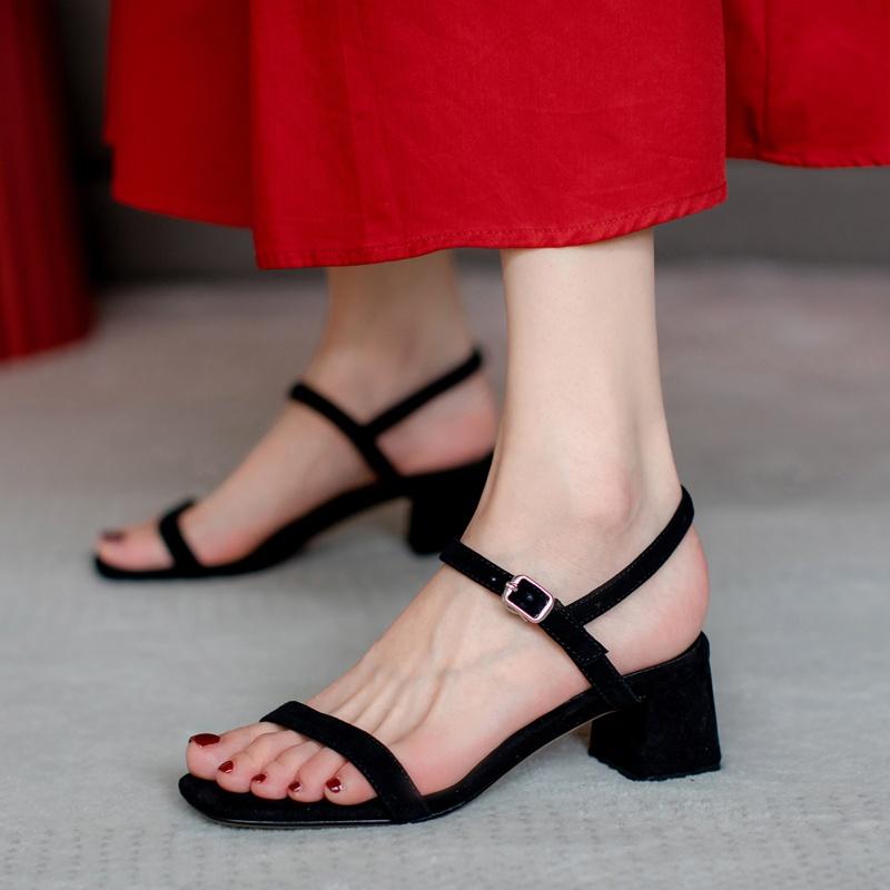 真皮罗马鞋 2021新a款真皮百搭露趾一字扣方头粗跟中跟凉鞋女夏罗马黑色高跟_推荐淘宝好看的真皮罗马鞋