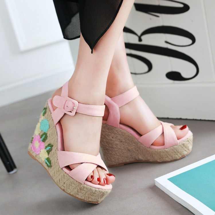 粉红色松糕鞋 夏季亚麻蓝色绿色粉红色鞋松糕厚底绣花民族风高跟坡跟凉鞋女QY_推荐淘宝好看的粉红色松糕鞋