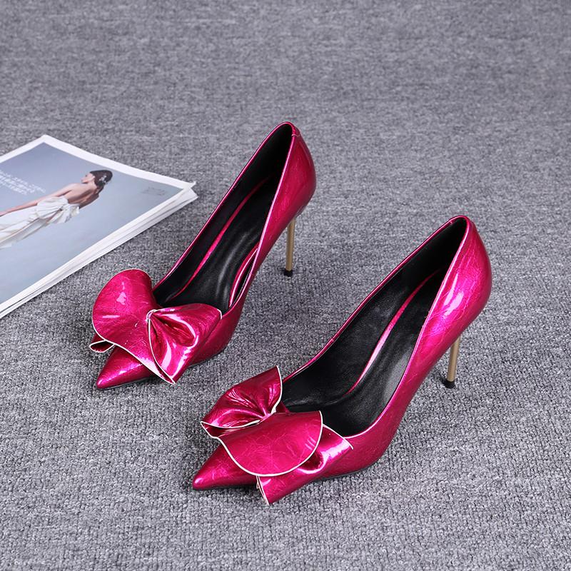 粉红色尖头鞋 欧洲站风格2020春秋新款真皮漆皮蝴蝶结粉红色浅口尖头细跟高跟鞋_推荐淘宝好看的粉红色尖头鞋