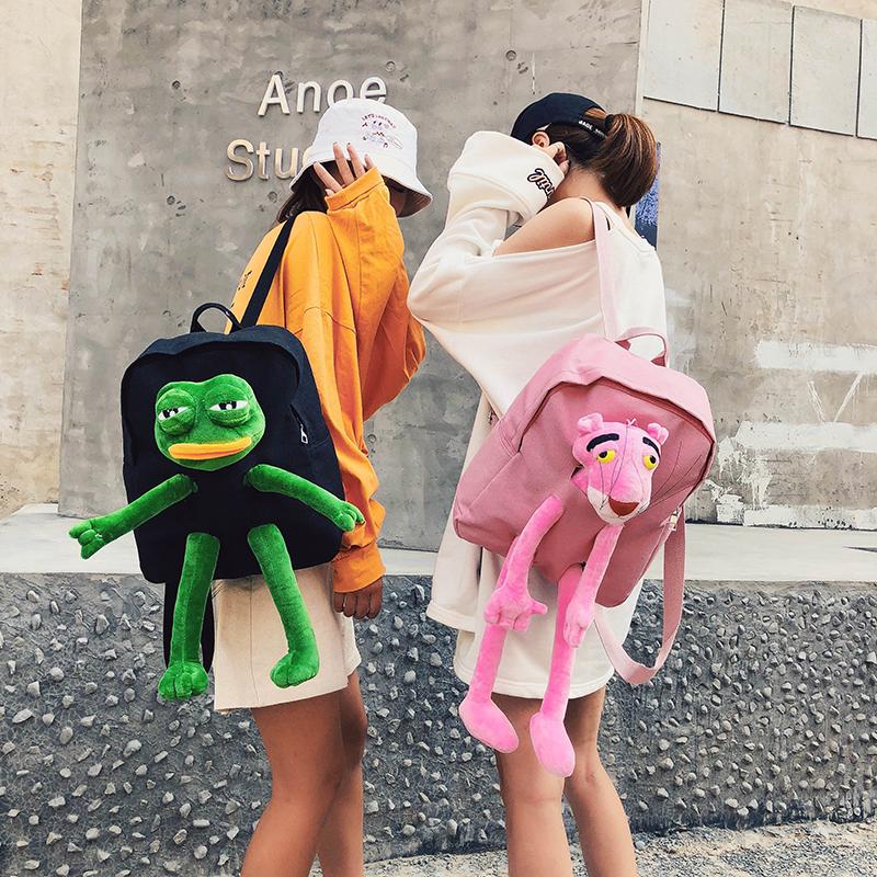 绿色双肩包 2018新款个性卡通毛绒玩偶粉红豹背包女时尚休闲绿色青蛙双肩包潮_推荐淘宝好看的绿色双肩包