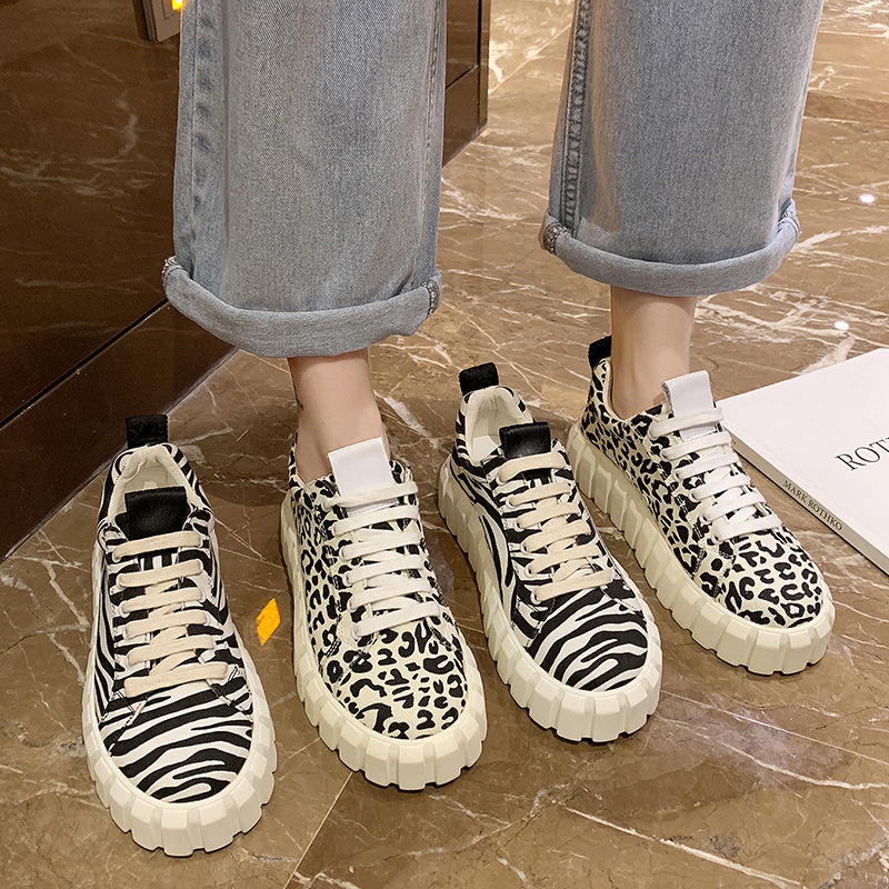 豹纹坡跟鞋 2021春新款豹纹斑马纹系带厚底松糕乐福鞋女坡跟平底百搭拼色单鞋_推荐淘宝好看的豹纹坡跟鞋