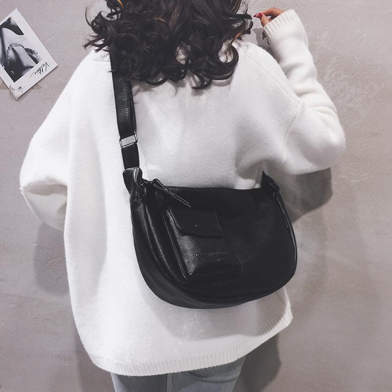 白色斜挎包 大包包女包新款2020大容量大学生上课包纯色简约休闲单肩斜挎包潮_推荐淘宝好看的白色斜挎包