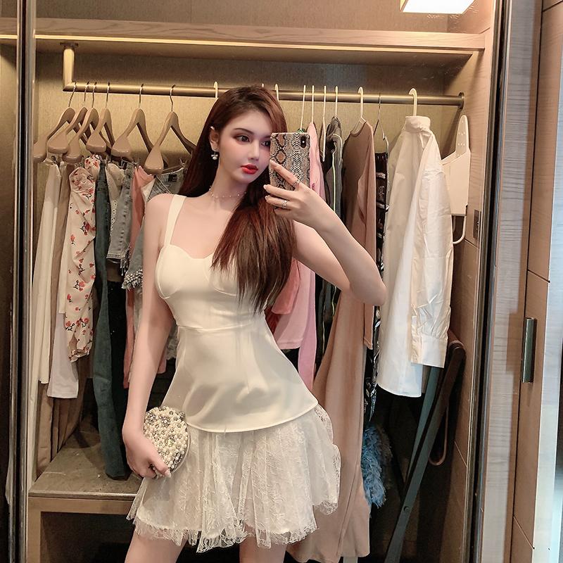 白色吊带连衣裙 守衣奴2020年新款裙子夏季时尚白色法式桔梗连衣裙蕾丝拼接吊带裙_推荐淘宝好看的白色吊带连衣裙
