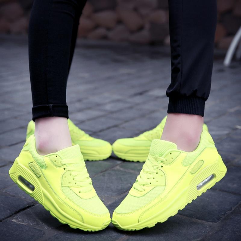 耐克气垫运动鞋 迈耐克斯文跑步鞋运动个性荧光绿色男女气垫鞋跑步内增高全黑色鞋_推荐淘宝好看的女耐克气垫运动鞋