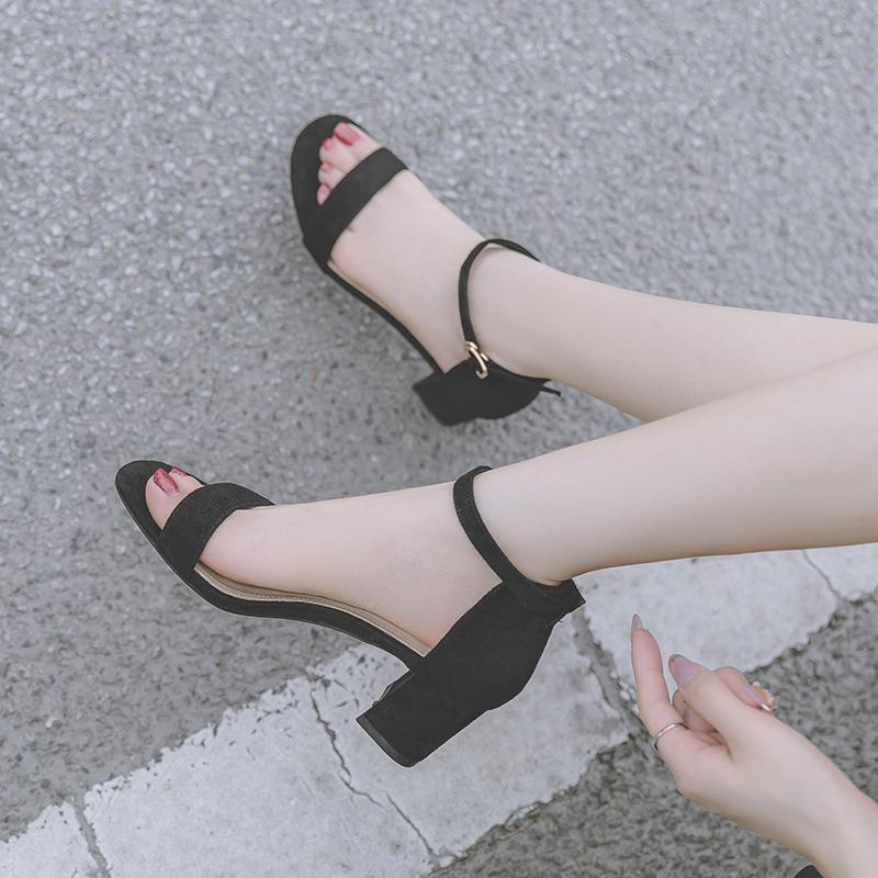 黑色鱼嘴鞋 小码凉鞋女313233一字扣带中跟粗跟仙女夏季黑色百搭露趾高跟鞋女_推荐淘宝好看的黑色鱼嘴鞋