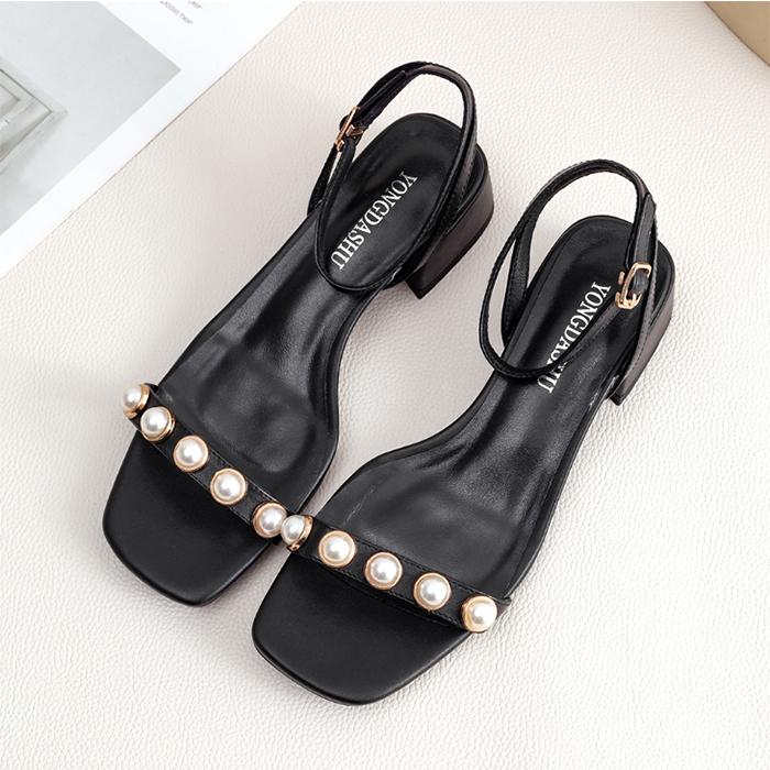 黑色罗马鞋 网红2021新款真皮粗跟中跟黑色凉鞋女夏季一字带扣珍珠罗马仙女风_推荐淘宝好看的黑色罗马鞋