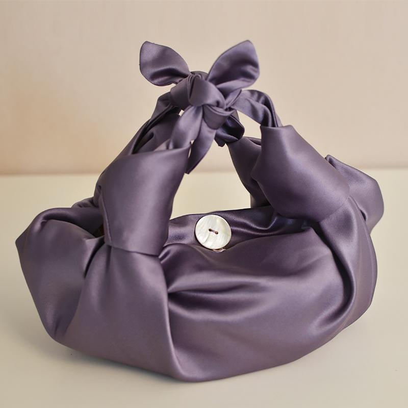 紫色手提包 素锦手作灰紫色缎面水饺包褶皱包包小众极简设计感ins手提云朵包_推荐淘宝好看的紫色手提包