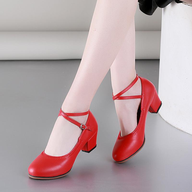 鞋子 舞蹈鞋女广场舞鞋子真皮软底红色跳舞女鞋中老年中跟交谊舞鞋春夏_推荐淘宝好看的女鞋子