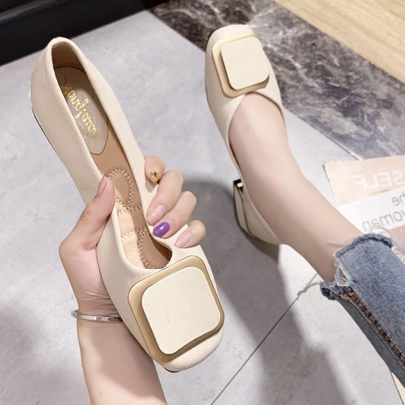 时尚单鞋 百搭方扣浅口方头女鞋2020新款漆皮方跟单鞋时尚奶奶鞋温柔仙女鞋_推荐淘宝好看的女时尚单鞋