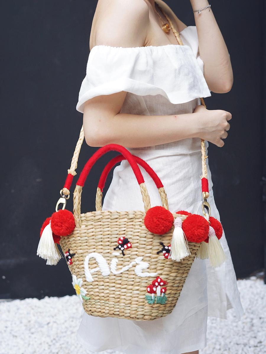 红色草编包 泰国花朵字母红色毛球流苏刺绣草编包 度假沙滩包草莓包大s可定制_推荐淘宝好看的红色草编包
