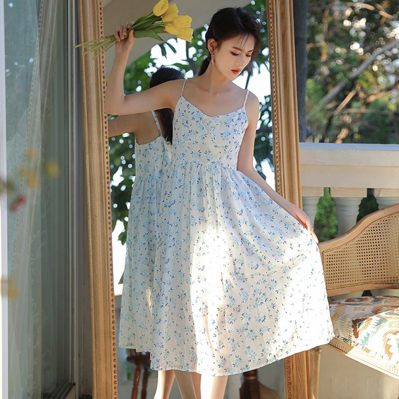 蓝色碎花连衣裙 小慧姑娘 XXS码XS码小个子高腰蓝色碎花裙复古吊带裙显高连衣裙_推荐淘宝好看的蓝色碎花连衣裙