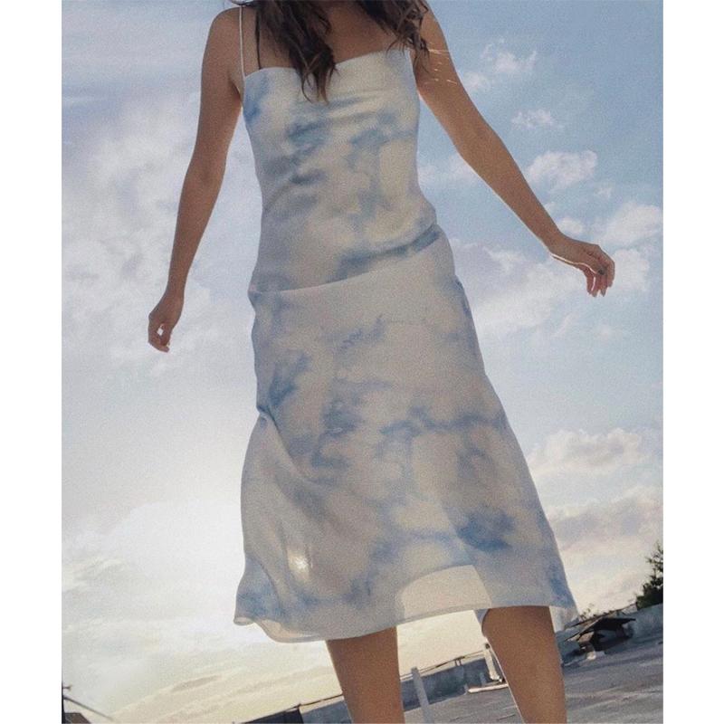 高档女装品牌连衣裙 20春夏小众品牌度假风ins博主同款扎染吊带连衣裙_推荐淘宝好看的品牌连衣裙