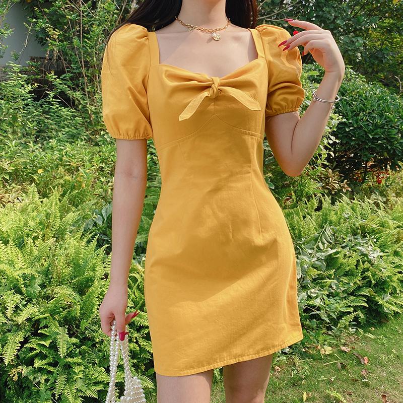 黄色连衣裙 weekeep美式鹅黄色方领泡泡袖短袖连衣裙女夏季修身显瘦包臀性感_推荐淘宝好看的黄色连衣裙