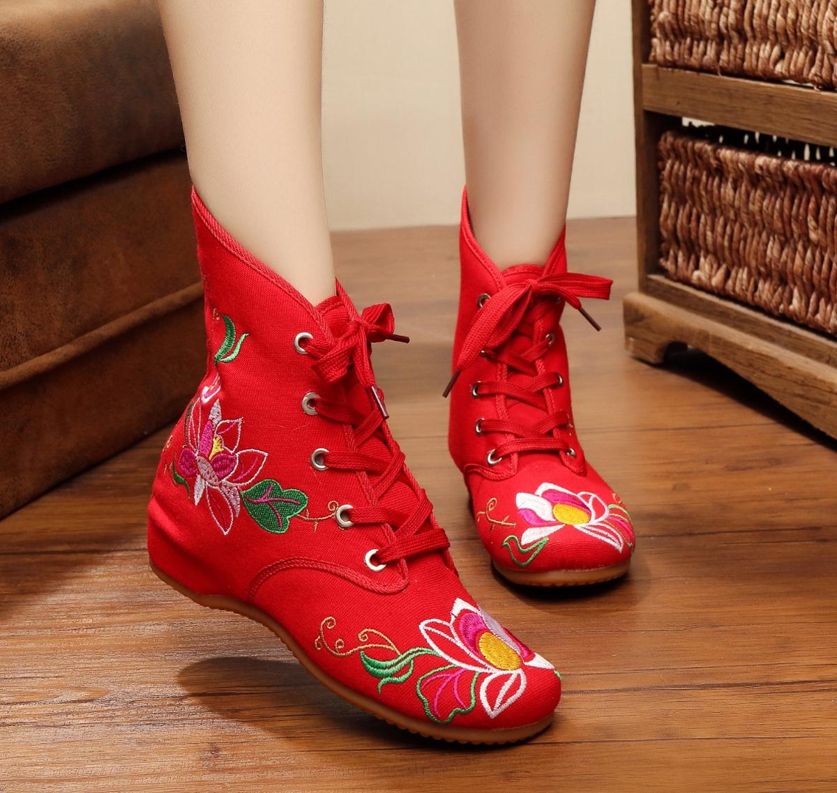 靴子 2020年春冬季新款绣花靴民族风女中筒靴子内增高布靴老北京布鞋女_推荐淘宝好看的女靴子