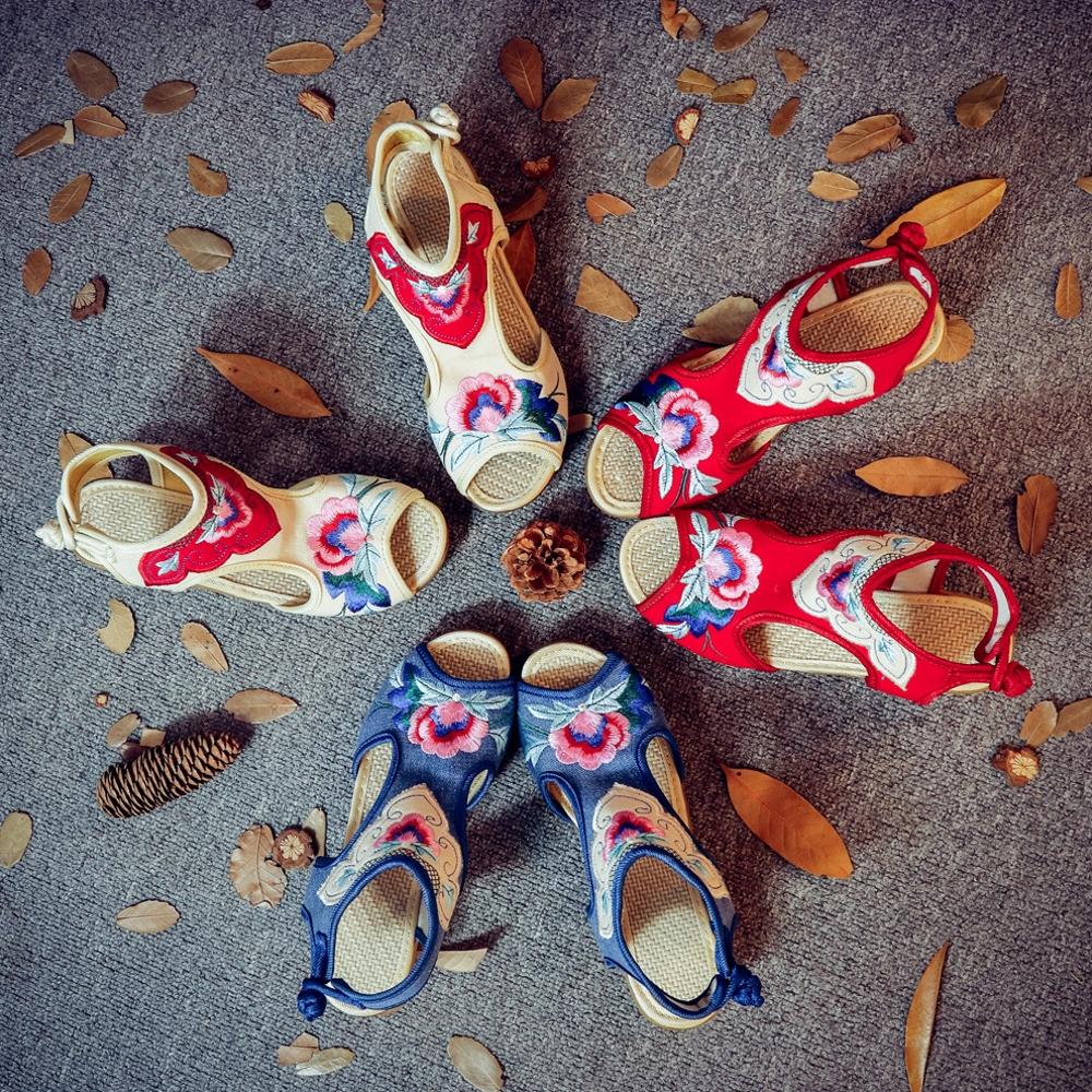 坡跟凉鞋 老北京布鞋女2020秋季新款撞色绣花坡跟女凉鞋布鞋个性复古民族风_推荐淘宝好看的女坡跟凉鞋
