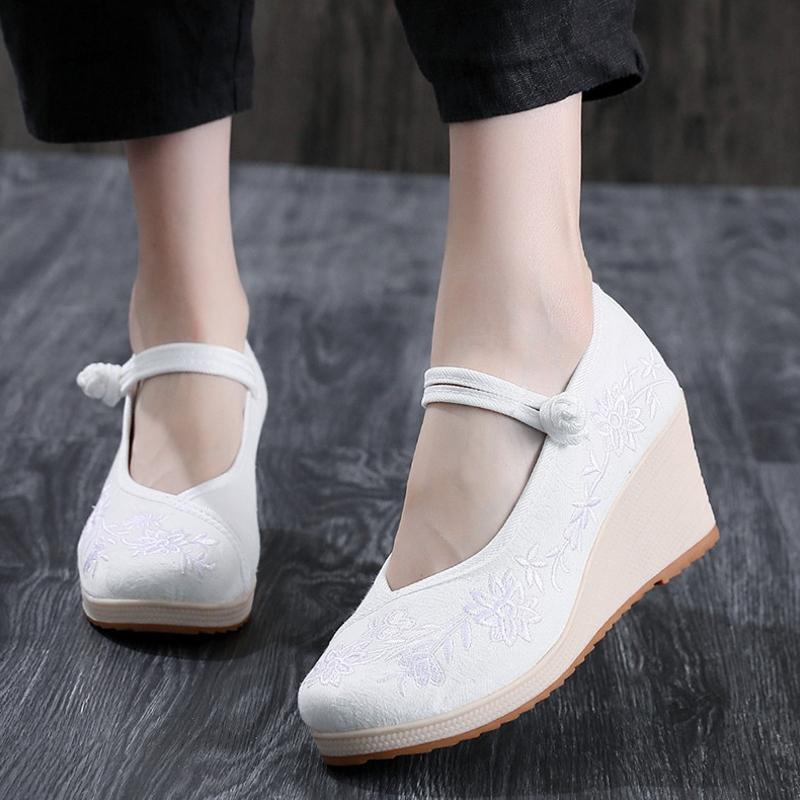 坡跟鞋 老北京布鞋女中国民族风绣花鞋增高汉服鞋子高坡跟古风鞋子旗袍鞋_推荐淘宝好看的女坡跟鞋