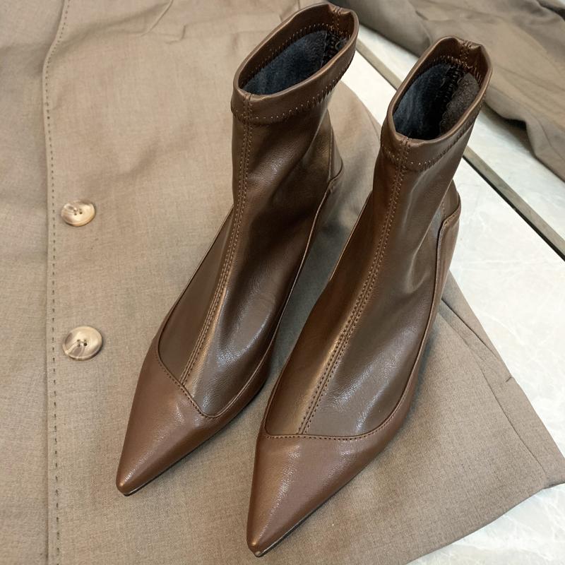 尖头短靴 复古气质棕色短靴女春秋单靴2020新款尖头细跟高跟瘦瘦软漆皮靴子_推荐淘宝好看的尖头短靴