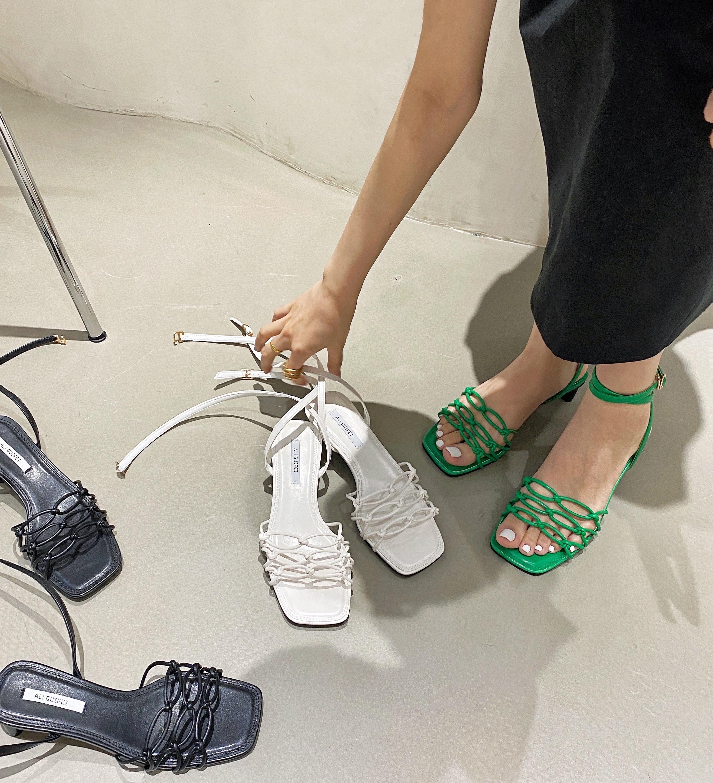紫色凉鞋 今年流行的紫色~2021新款凉鞋女仙女风露趾方头粗跟中跟真皮女鞋_推荐淘宝好看的紫色凉鞋
